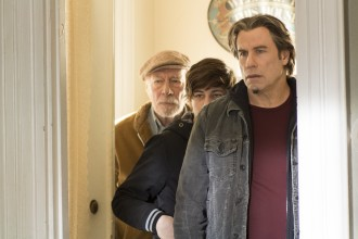 The_Forger_RAY_CUTTER_John_Travolta_JOSEPH_CUTTER_Christopher_Plummer_WILL_CUTTER_Tye_Sheridan_2